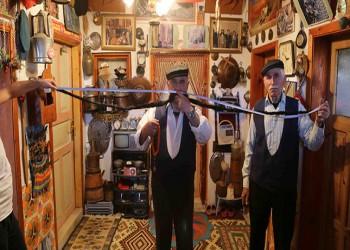 صاحبه تركي.. أطول شارب في العالم يبلغ طوله 260 سنتيمترا