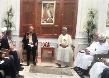 عمان وإيران تبحثان التعاون الاقتصادي والتجاري بين البلدين