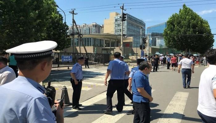 انفجار بمحيط السفارة الأمريكية في بكين (فيديو)