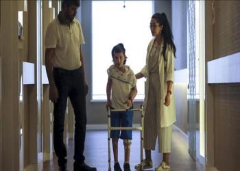 أطباء أتراك يحيون آمال طفلة سورية مزقت الحرب جسدها