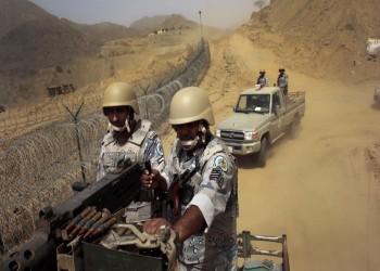 شاهد.. الحوثيون يستهدفون ناقلة جنود سعوديين في جازان