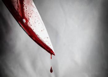 سوداني يقتل رجلا ويعتدي على أم وطفلتها بالشارقة