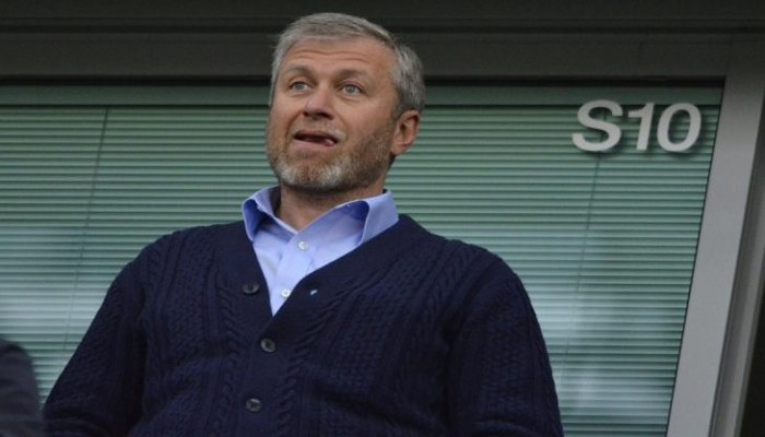 """""""أبراموفيتش"""" يخطط لبيع تشيلسي وتحطيم رقم مان يونايتد"""