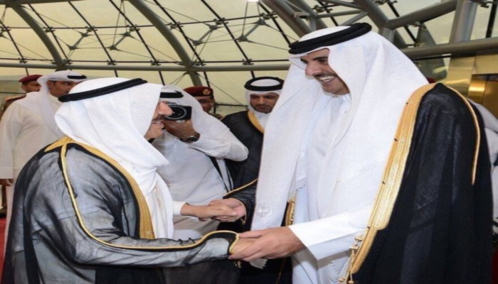 أمير قطر يصل إلى الكويت بصحبة وفد رفيع المستوى