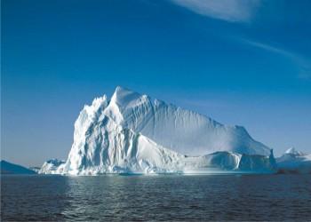 الإمارات تسعى لنقل جبال جليدية من القطب الجنوبي