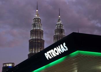 «أرامكو» تستحوذ على 50% من وحدة بتروكيماويات بـ«بتروناس» الماليزية