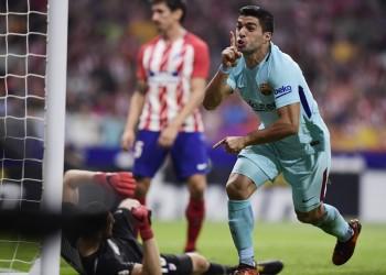 «سواريز» ينقذ برشلونة من الهزيمة أمام أتلتيكو ويتمسك بالصدارة