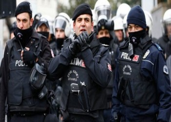 مذكرات توقيف لـ100 عسكري تركي للاشتباه بارتباطهم بغولن