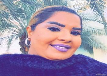 ممثلة كويتية تثير جدلا بسبب تحقيرها لعامل نظافة