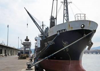 تصادم بين سفينة تجارية وزورق عسكري إماراتي