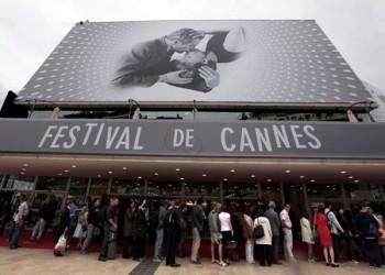 «كان» السينمائي يتحدى التحرش بـ5 فنانات في لجنة التحكيم