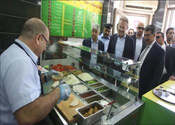 """""""بيغوفيتش"""" يتذوق أكلات شعبية فلسطينية في جولة برام الله"""