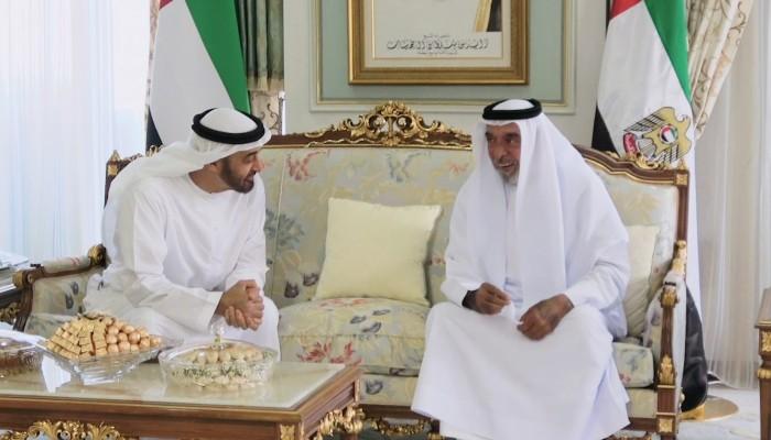 """رئيس الإمارات يستقبل """"محمد بن زايد"""" في فرنسا"""