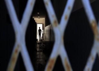 النائب العام المصري يمنع الزيارة عن معتقلي 3 سجون