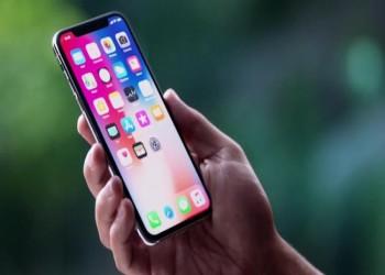فوارق تقنية بين أحدث نسختين من هاتفي غالاكسي وآيفون