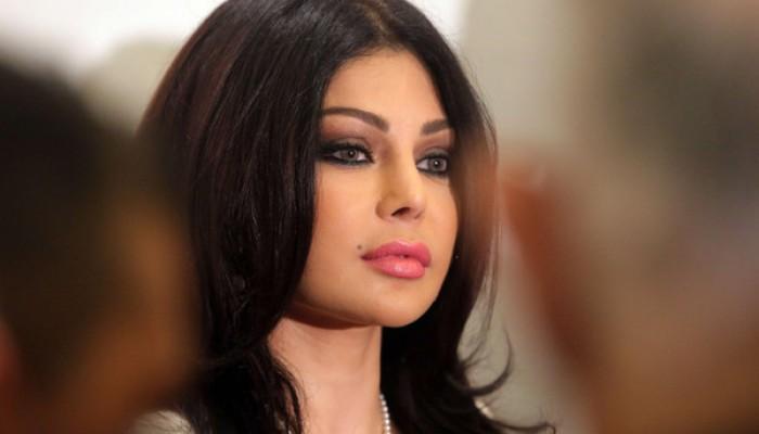 منع «هيفاء وهبي» من العمل بمصر ودفع غرامة مالية
