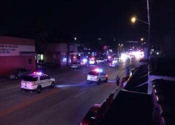 مسلح بحوزته قنبلة يحتجز 20 رهينة في ملهى ليلي للمثليين بأورلاندو الأمريكية