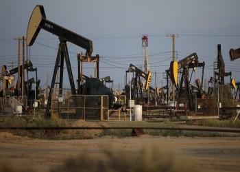 النفط يتعافى من خسائر حادة أوصلته لأدنى مستوى في شهرين