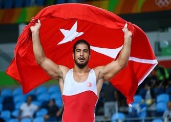 المصارع التركي «طه أكغول» يهدي بلاده أول ذهبية في «ريو 2016»