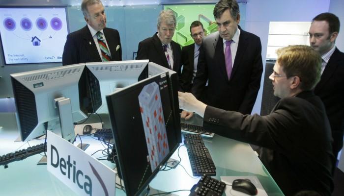 وثائق: الإمارات تستورد أجهزة تجسس على الإنترنت والهواتف من «بي أيه إي» البريطانية