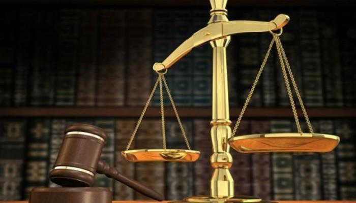 محكمة عمانية تقضي بسجن 3 صحفيين وإغلاق صحيفة نشرت تقريرا عن الفساد
