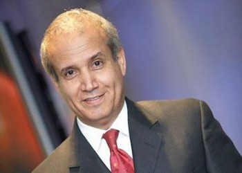 «عبدالرحمن الراشد» يودع العزوبية ويتزوج من مذيعة بقناة «العربية»