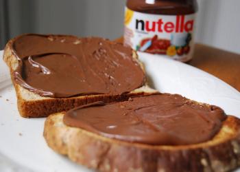 منظمات صحة عالمية تحذر من «نوتيلا».. و«الغذاء» السعودية: لا خطورة منها