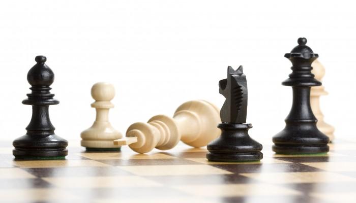 سعودية تفوز بالمركز الثاني في المسابقة النسائية الأولى للشطرنج بجدة