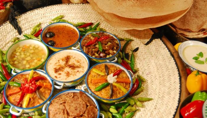 طاهية سعودية تضيف نكهات جديدة للأكلات التقليدية في رمضان .. وتطمح لـ«يوتيوب»