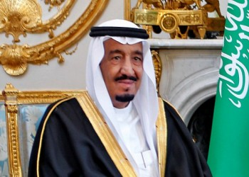 الملك «سلمان» يوجه بمحاسبة كاتب شبهه بالله