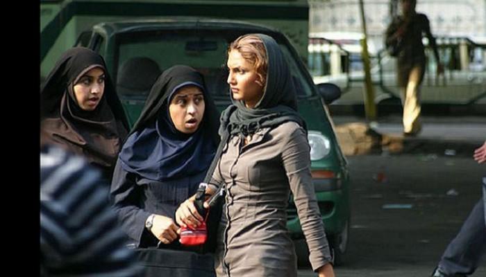 ممثل «خامنئي»: ارتداء الإيرانيات لـ«الحجاب السيء» أضر بالاقتصاد