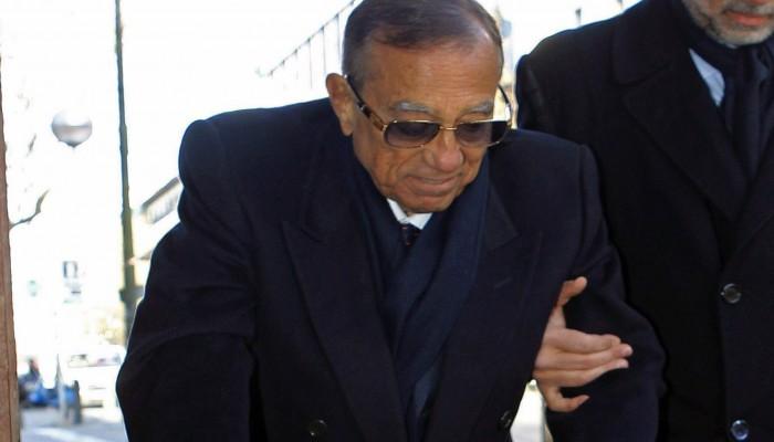 «حسين سالم» صديق «مبارك» المتهم بالفساد يعود إلى القاهرة