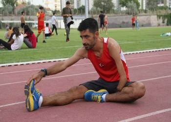 «التركي أونار».. عداء تفجرت موهبته بـ«لغم أرضي» فحصد 30 ميدالية