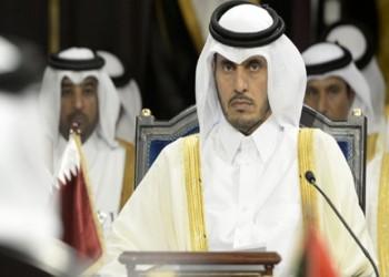 رئيس الوزراء القطري يبحث مع وزير الدفاع البريطاني الأزمة الخليجية
