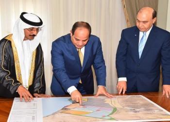 رئيس قناة السويس يوقع عقد شراكة مع موانئ دبى