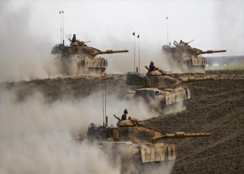 عشية الاستفتاء .. مناورات عسكرية إيرانية وأخرى تركية قرب كردستان