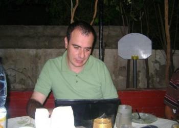 تدهور الوضع الصحي للصحفي الأردني «النجار» المعتقل في الإمارات