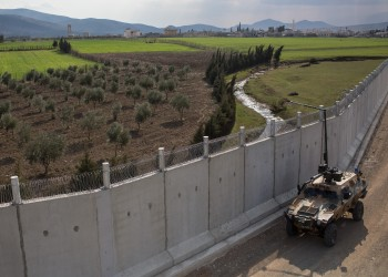 جيوبوليتيكال فيوتشرز: لماذا لا تستطيع تركيا البقاء خارج سوريا؟