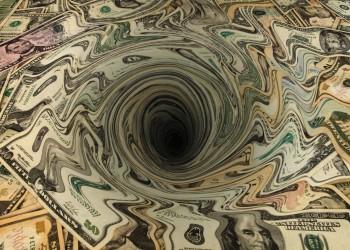 «دوامة الديون الخارجية» تغرق مصر.. ارتفعت 41% خلال عام