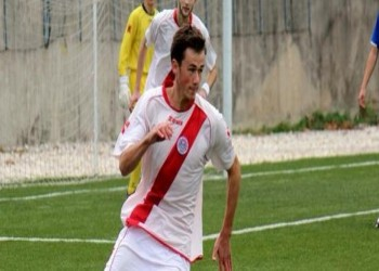 بالفيديو.. إصابة كروية في البوسنة تتسبب في استئصال خصية لاعب