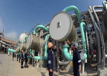 الكويت تتجه إلى خفض أعداد العمالة الوافدة بقطاع النفط