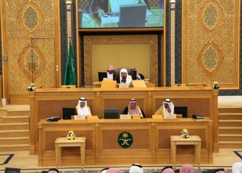 مطالبات بالشورى السعودي بترحيل العمالة بالقطاعات التي تم توطينها