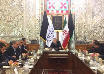 إيران تشيد بموقف «حماس» الرافض للتخلي عن سلاح المقاومة