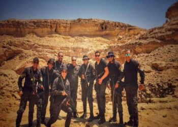 ضباط مصريون يسمعون الموسيقى قبل تنفيذ هجوم «الواحات» (فيديو)