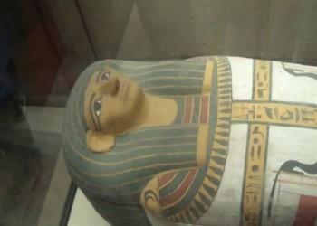 فرنسا تعيد 8 قطع أثرية إلى مصر