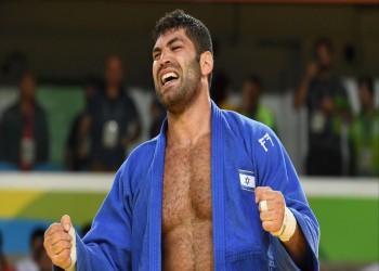أبوظبي تعتذر لـ«تل أبيب» بعد رفض أحد لاعبيها مصافحة نظيره الإسرائيلي