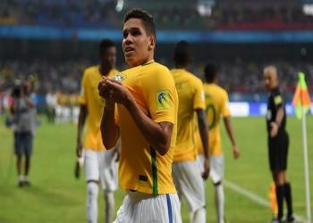 بالفيديو.. البرازيل تسجل الهدف الأغرب لعام 2017