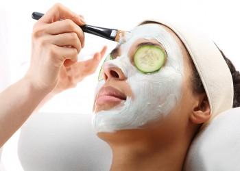 4 أقنعة طبيعية لتبييض بشرة الوجه واستعادة نضارتها