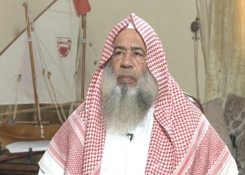 داعية بحريني يطالب بتوجيه ضربة عسكرية لإيران و«حزب الله»