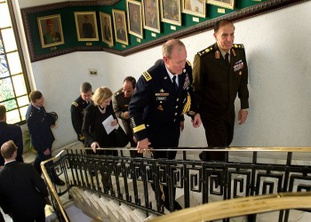 حصري.. «عنان» ينتظر موافقة «المجلس العسكري» لإعلان ترشحه رسميا